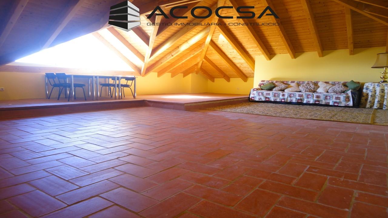 Pallejà-047 Casa de 260 m2 en parcela 900 m2