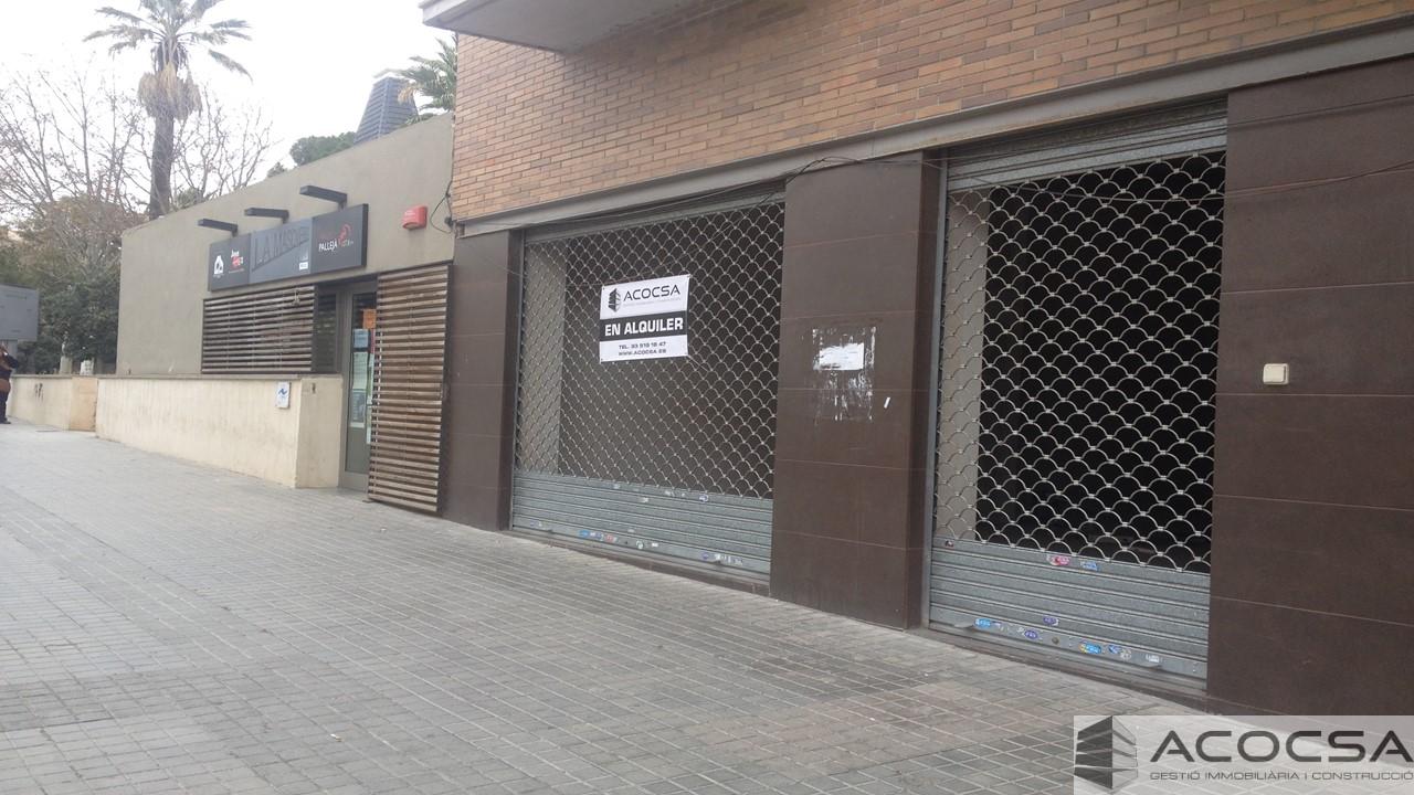 Local comercial de 200 m2, en pleno centro de Pallejà