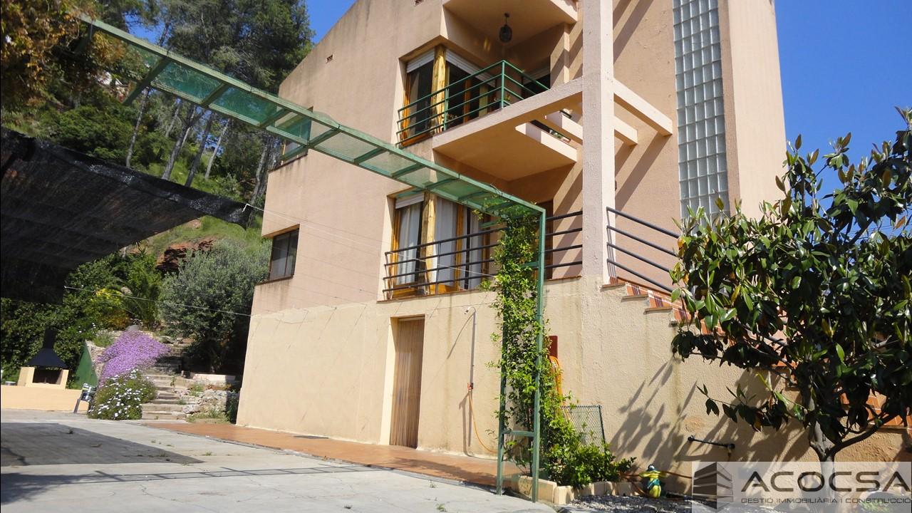 Pallejà-149 Casa esquinera 200 m2