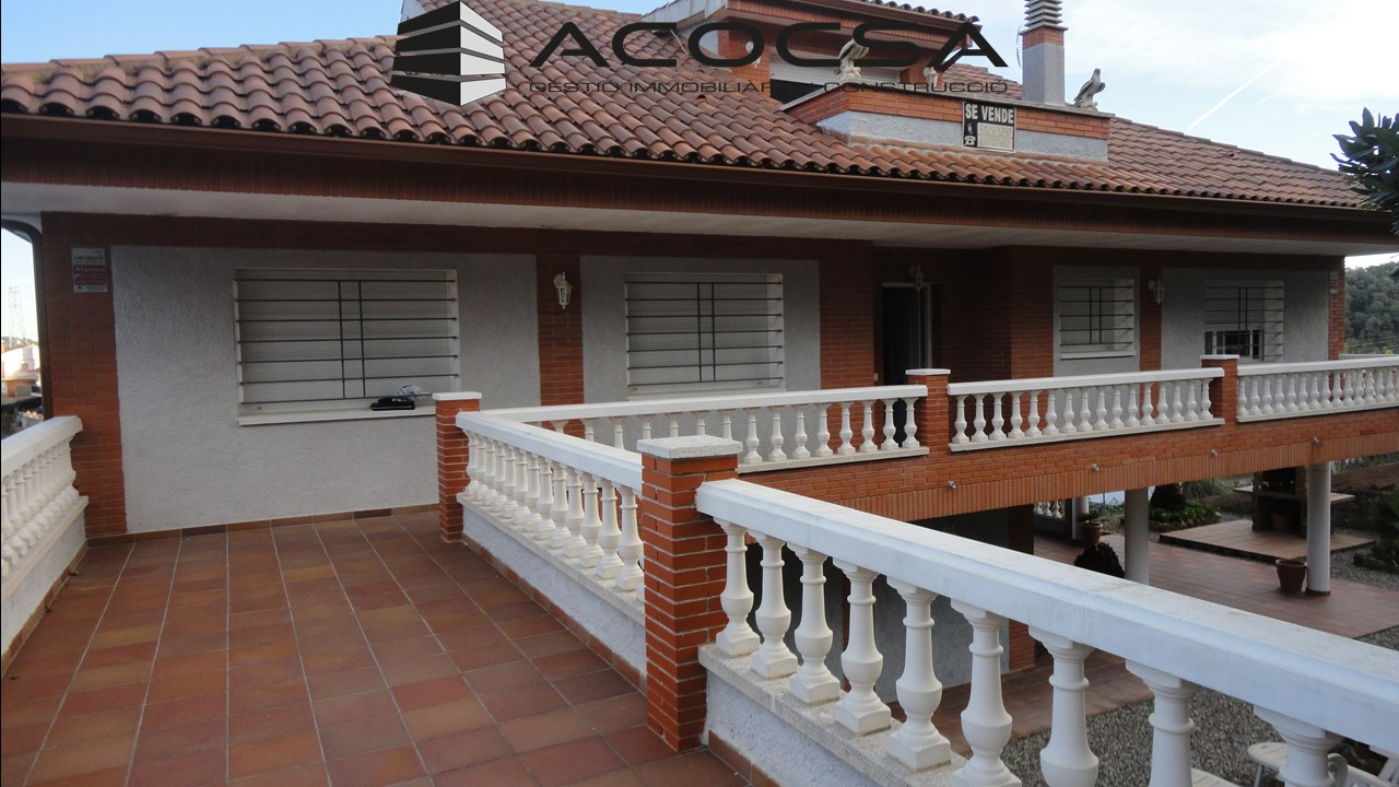 Vallirana-017 Casa seminueva en Vallirana  de 340 m2