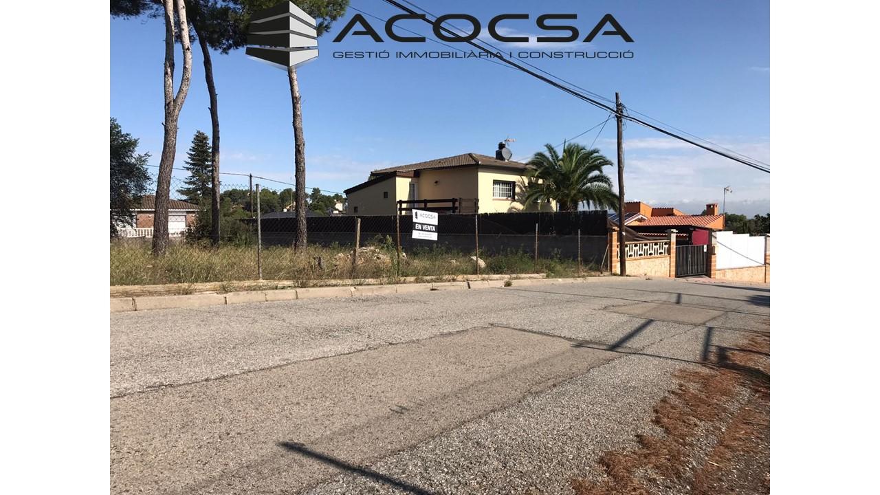 CORBERA-021 Terreno residencial de 702 m2 totalmente plano colindante con Fontpineda