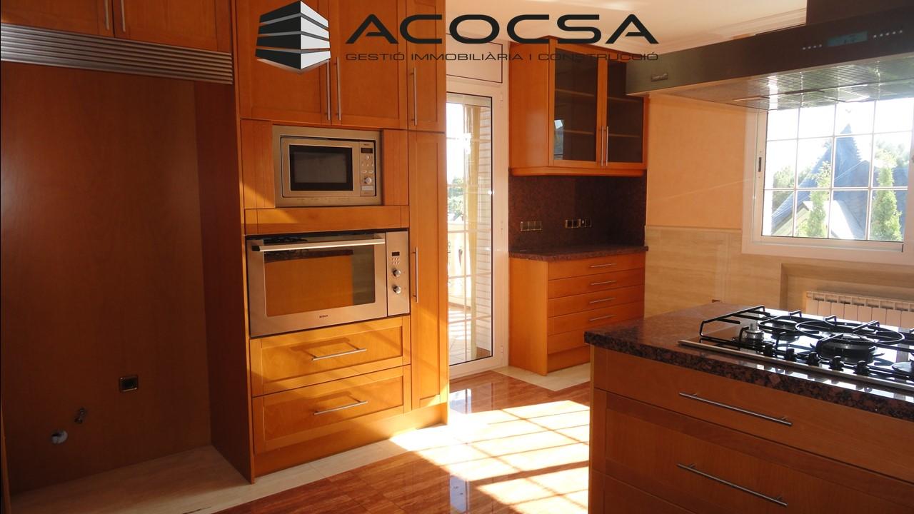 Palleja-223 Espectacular casa de 370 m2 útiles en Fontpineda